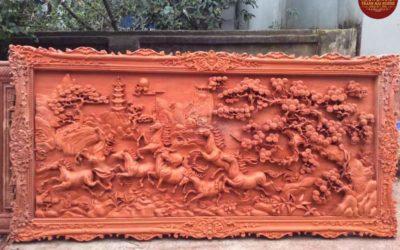 Tranh-bát-mã-bằng-gỗ-hương-đỏ-(2)