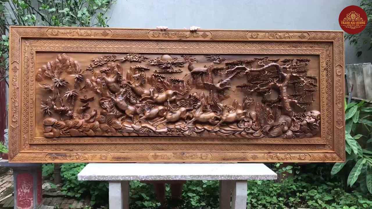 Siêu phẩm vip bát mã truy phong gỗ bách xanh. KT: 193×74x12