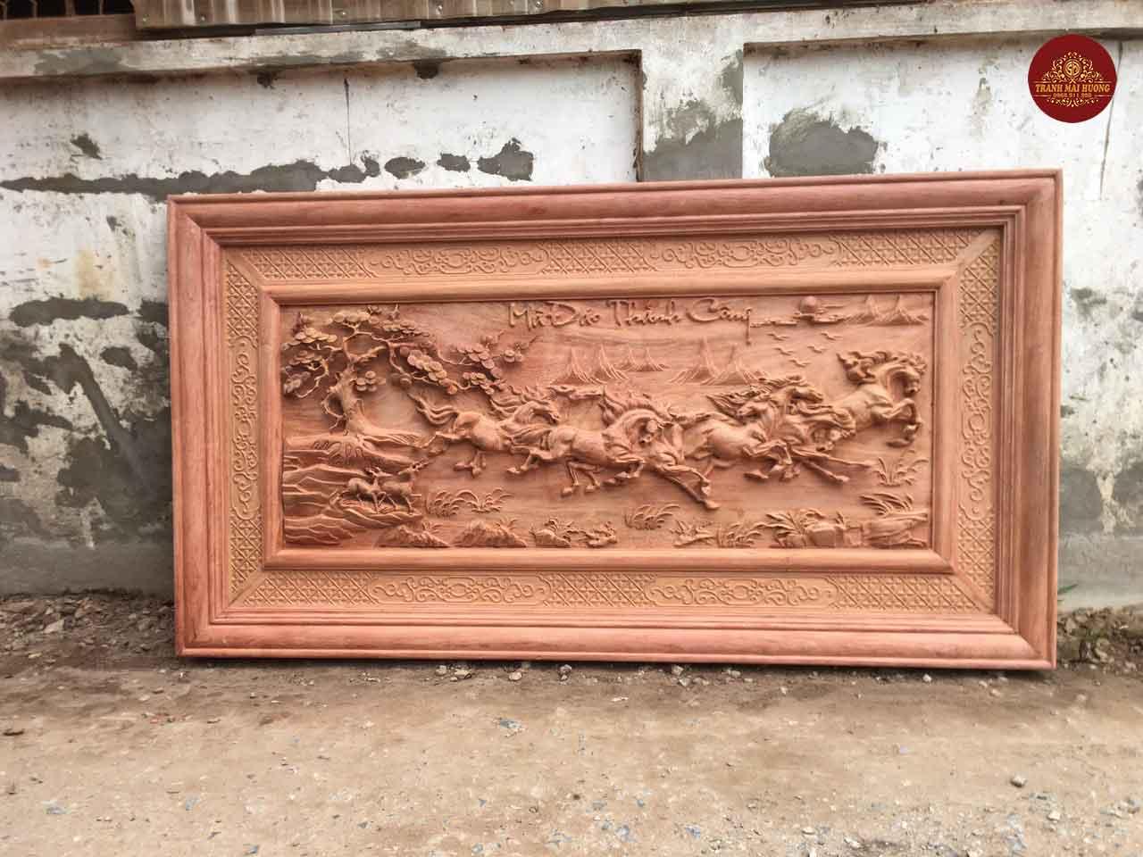 Tranh mã đáo thành công gỗ hương đá đục tay kênh bong. KT: 197x107x6