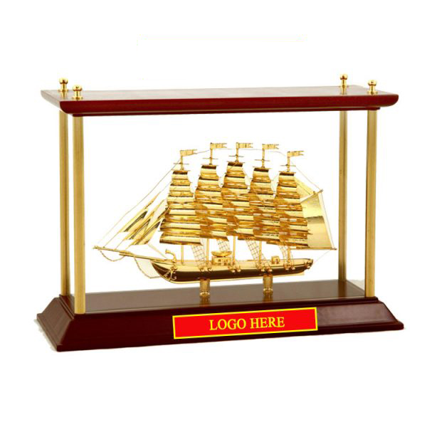 Mô-hình-Thuyền-buồm-mạ-vàng-24k-khung-kính-KK13