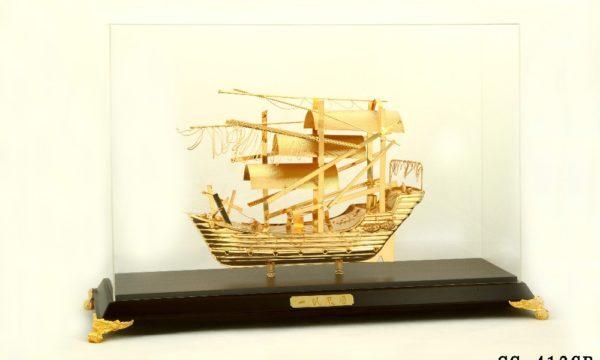 Mô hình thuyền buồm mạ vàng 24k SS-412GP