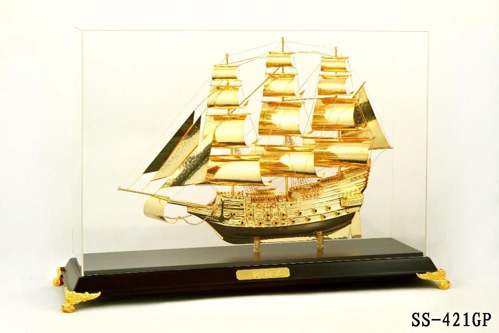 Mô hình thuyền buồm vàng SS-421GP