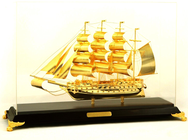 Mô hình thuyền buồm vàng mạ vàng 24k cao cấp SS-424GP
