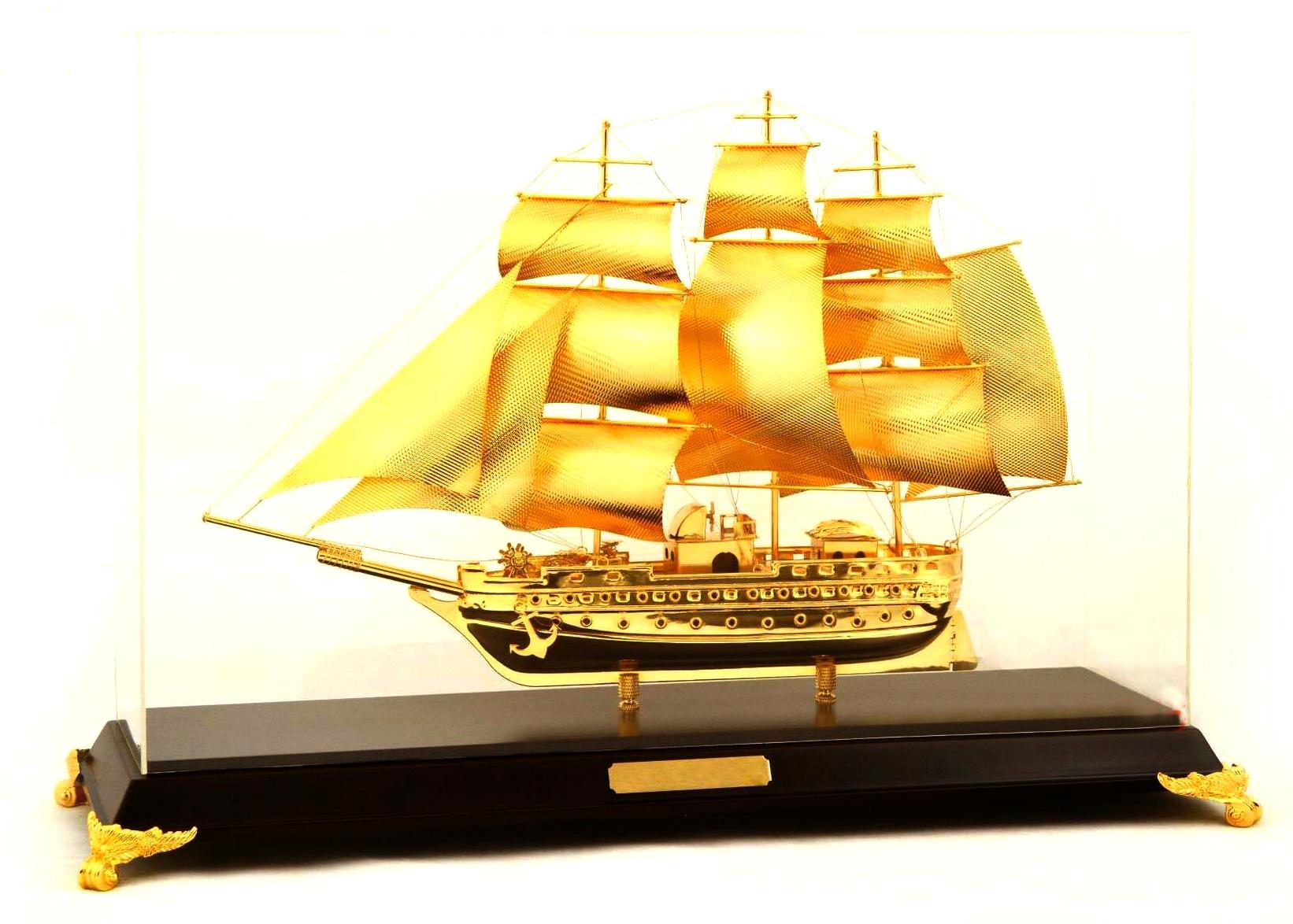 Mô hình thuyền buồm mạ vàng cao cấp SS-425GP