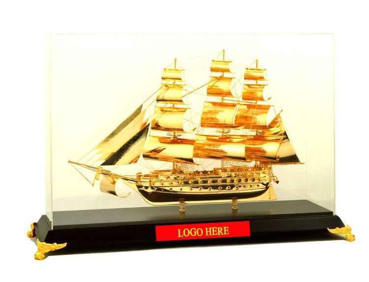 Mô-hình-thuyền-buồm-vàng-cao-cấp-BT-211GP