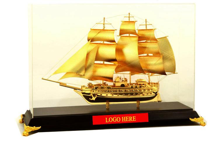 Mô-hình-thuyền-buồm-vàng-cao-cấp-BT-213GP